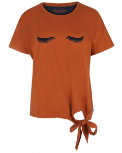 T-shirt Charlie Choe close your eyes